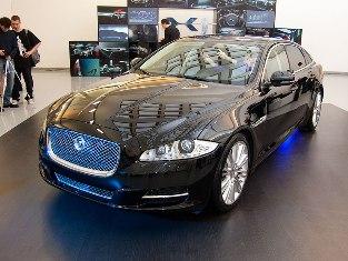 Премьера Jaguar XJ в России