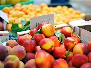 Греция хочет продать персики