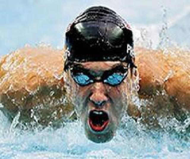 Восьмикратный чемпион пловец Майкл Фелпс попал в аварию